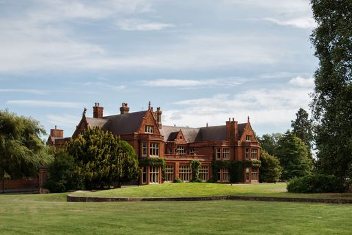 New Summer 2020 Special at Holmewood Hall