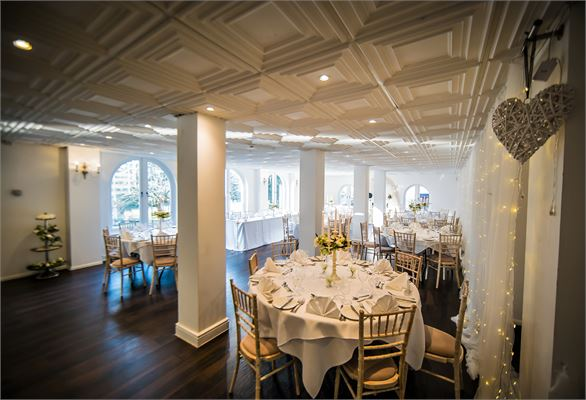 Winter weddings at Gray Manor Hotel