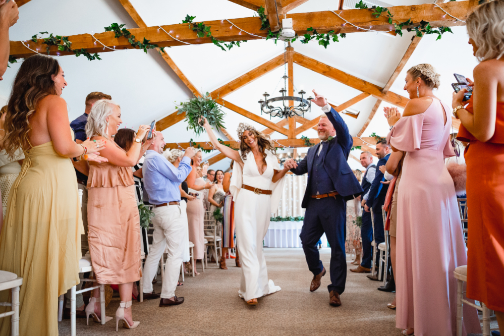 Aldwick Estate Old Barn Wedding Ceremony. Photography by HOW Photography.